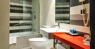 DOPPELZIMMER MIT PARKPLATZ Hotel Nuevo Torreluz