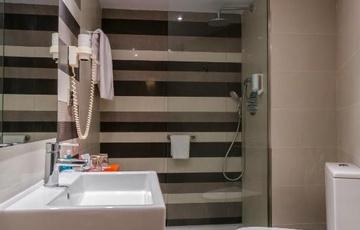 Bad Hotel Nuevo Torreluz