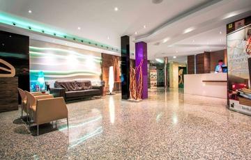 Empfang Hotel Nuevo Torreluz